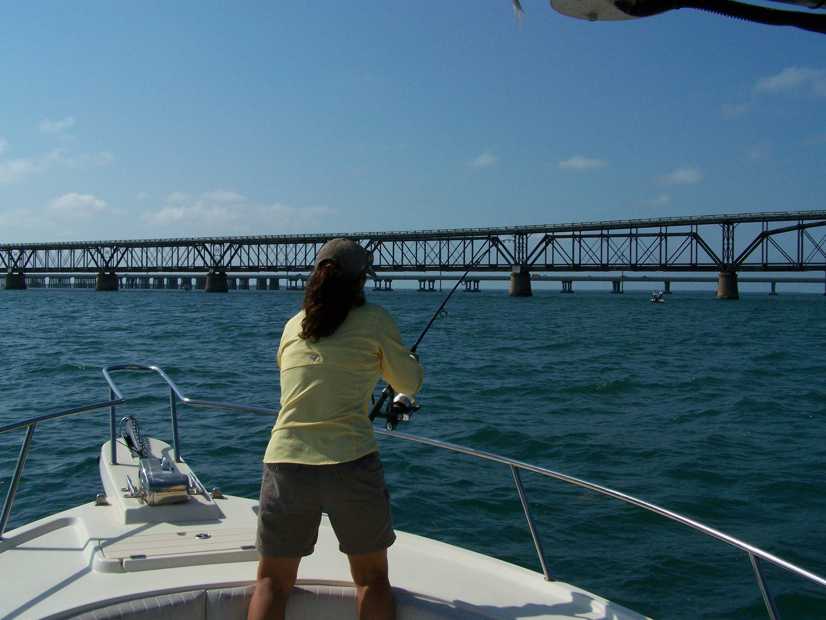 Pictures of tarpon fishing in marathon and the middle for Florida keys fishing calendar